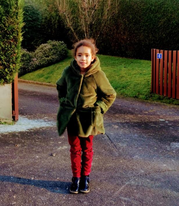 Manteau Fillette à capuche, Modes & Travaux